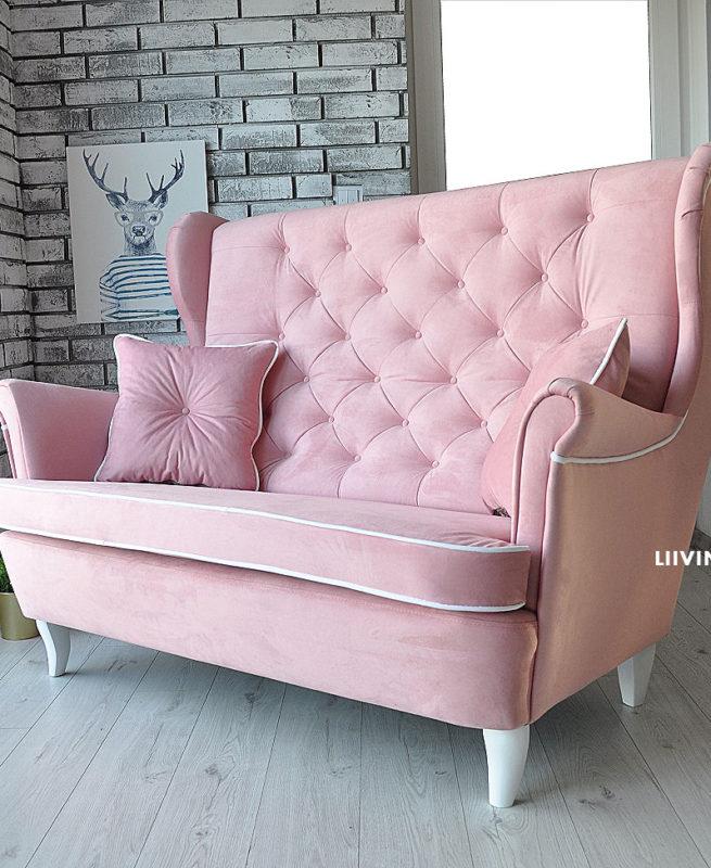 kanapa uszak w pudrowym różu