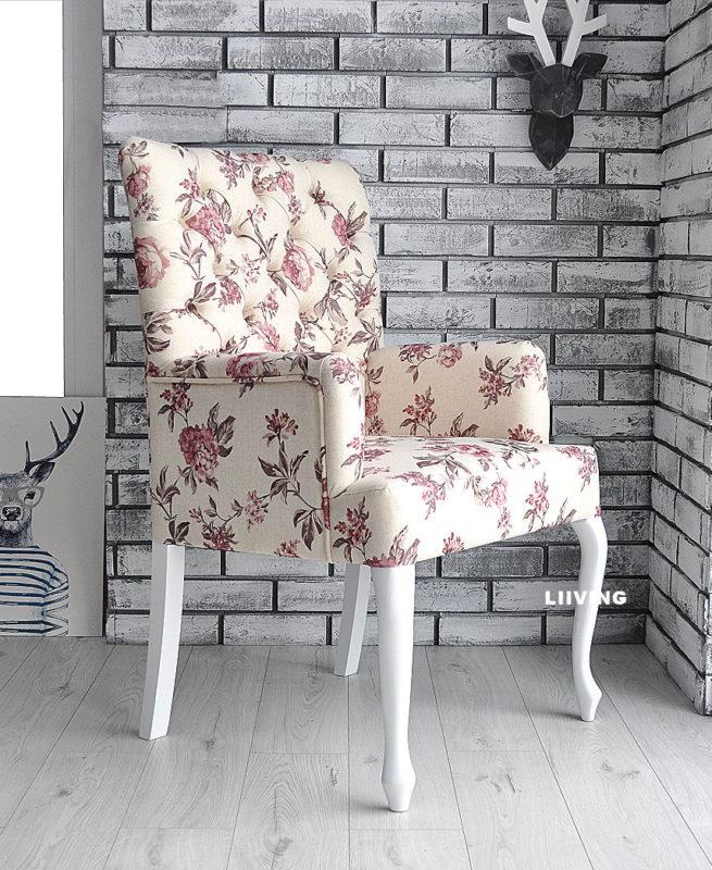 fotelik w róże